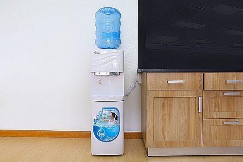 Cây nước nóng lạnh có tốn điện không? Câu trả lời từ chuyên gia